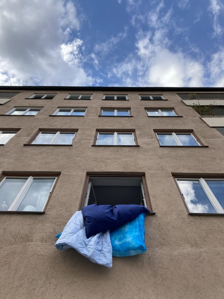 Roman Cherezov, Blue, 2020, Malerei Installation