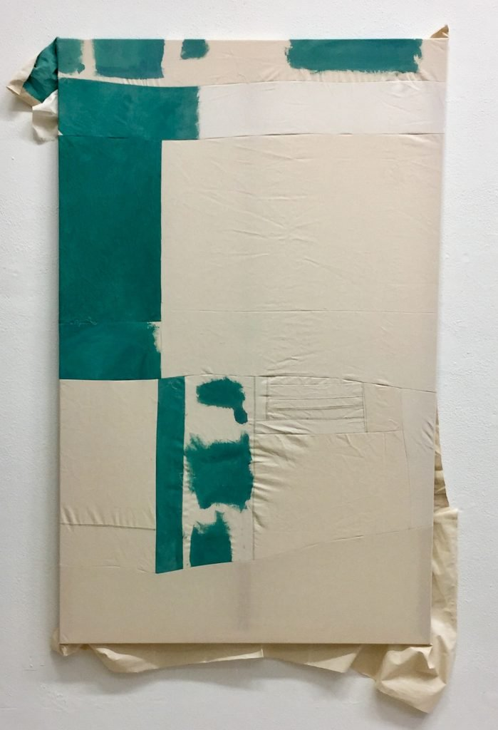Tabata von der Locht, o.T., 2021, vernähtes und bemaltes Textil, 120 x 190 cm